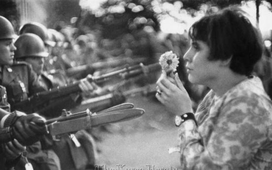 Legendary Magnum photographers' works on exhibit in Seoul