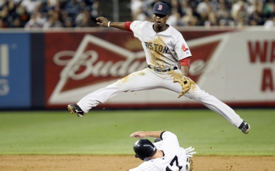 Twins complete sweep of Tribe