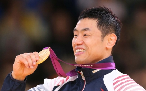 Judoka Song Dae-nam wins gold in men's under-90㎏ category