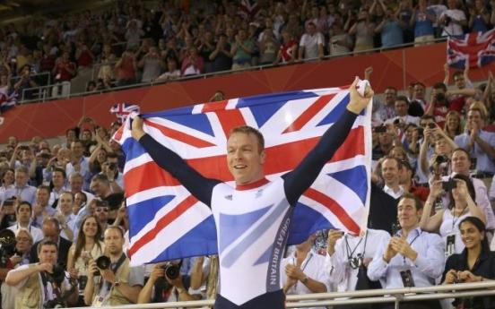 Hoy wins record sixth gold
