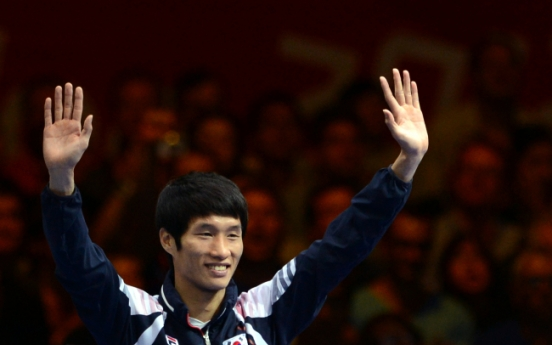 Han Soon-chul wins silver in men's lightweight boxing