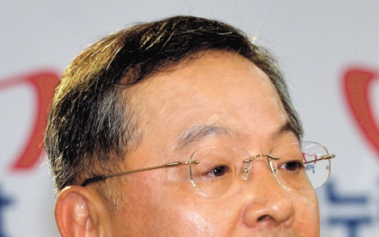 [Newsmaker] 'People's prosecutor' joins Park GH camp