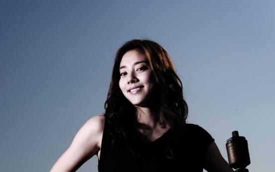 Son Dam-bi to return to music business