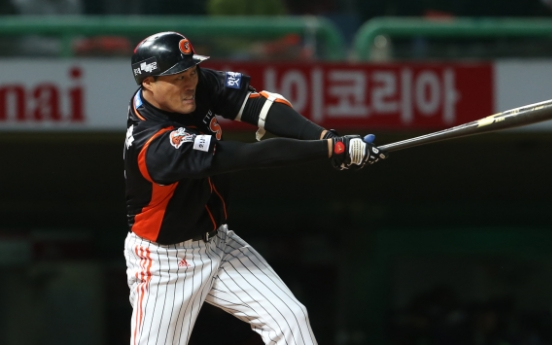 Lotte Giants beat SK Wyverns to tie playoff series