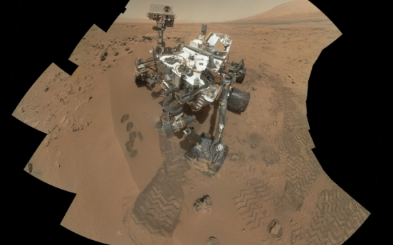 Mars rover detects traces of carbon in soil analysis