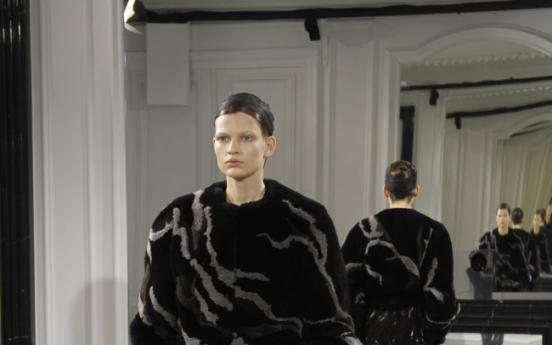 'Modern elegance' theme of Wang's 1st Balenciaga show
