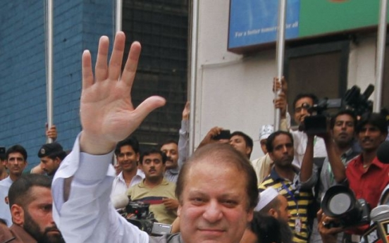 [Newsmaker] Once-jailed Pakistani P.M. returns to power