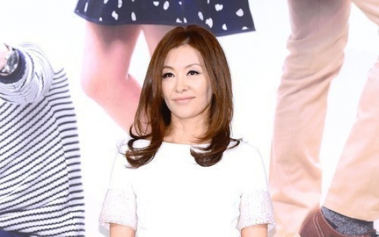 Lee Mi-sook off to new start with Sidus HQ