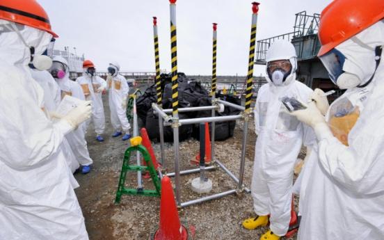 [Newsmaker] Abe struggles to get a grip on Fukushima