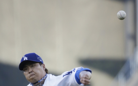 [Newsmaker] Ryu first Korean to win in MLB postseason