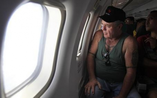 Haiyan: 'Worst six days of my life,' says U.S. man who lost touch with his family