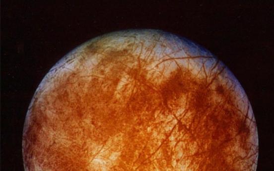 NASA plots daring flight to Jupiter's moon