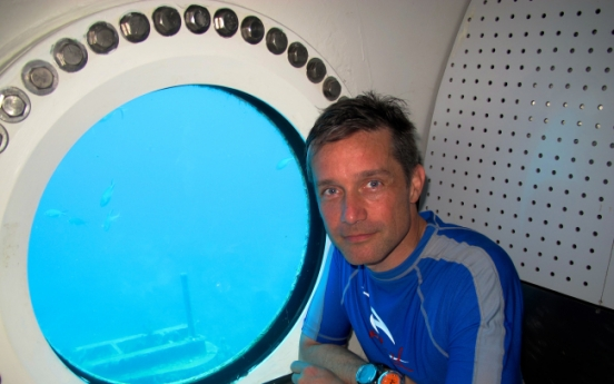 Cousteau plans 31-day underwater mission