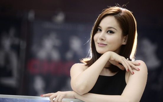 [Herald Interview] Ivy finds her place in 'Chicago'
