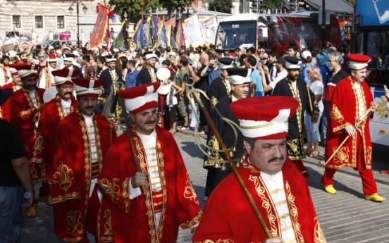 Festival recreates glamour of Istanbul