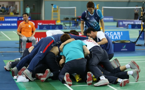 [Asian Games] Korea shocks China to win men's badminton team gold