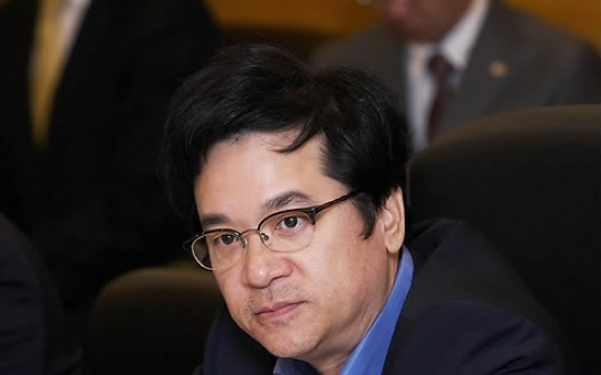 Ailing CJ chairman relinquishes more board memberships