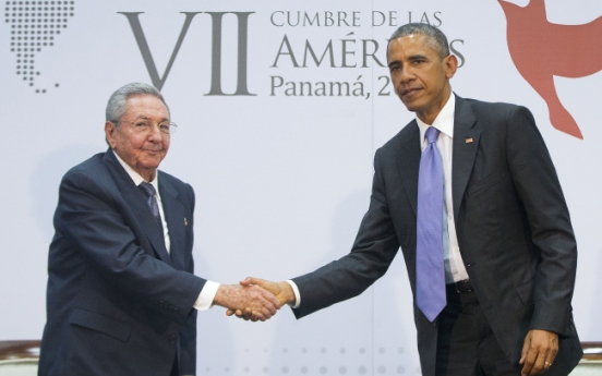 Obama, Castro hold 'candid' historic meeting