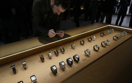 [Newsmaker] Apple under pressure even after record profit