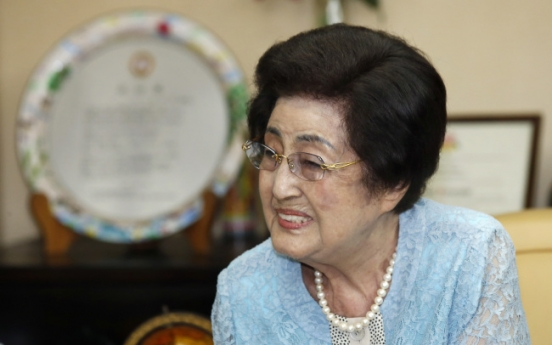 Ex-first lady's N.K. visit raises hope for cross-border thaw