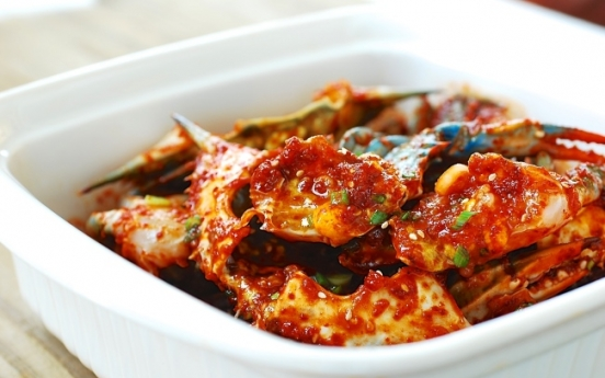 Yangnyeom gejang (spicy marinated raw crabs)