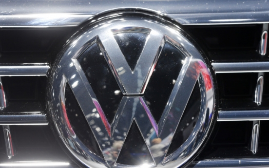 [Newsmaker] Volkswagen slams into false emissions scam