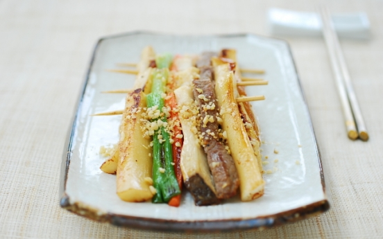 Home Cooking: Tteok sanjeok (skewered rice cake with beef and vegetables)