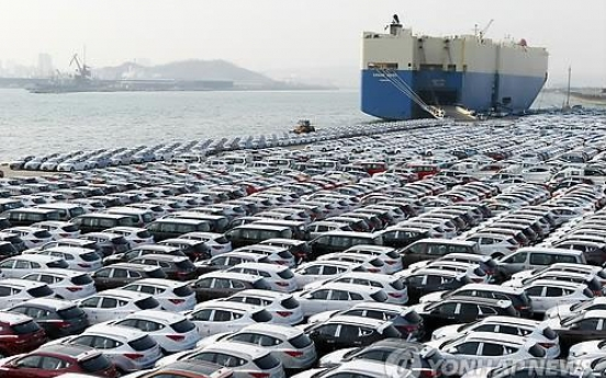 Exports plunge on weak demand, oil prices
