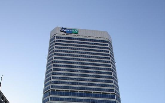 KRX probes suspicious trading of Doosan shares