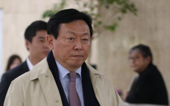 Chairman wins Lotte succession battle