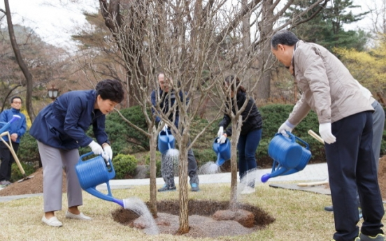 Calls grow to move up date of Arbor Day