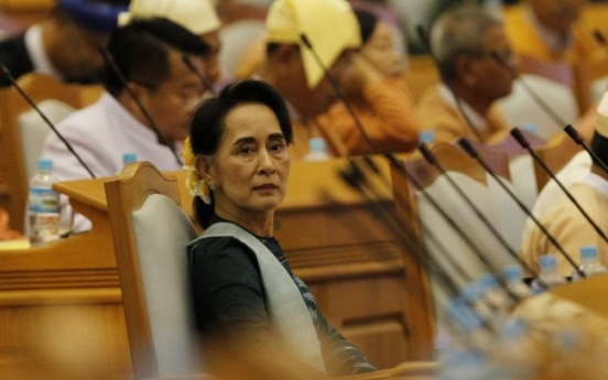 Historic vote gives Myanmar first civilian president in decades