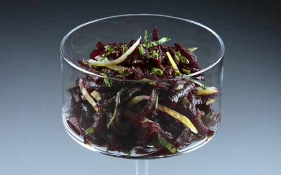 [Home Cooking] Beets, mint and lemon team up in a simple spring salad