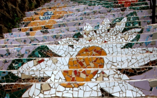 Ihwa Mural Village continues its struggle with noisy tourists