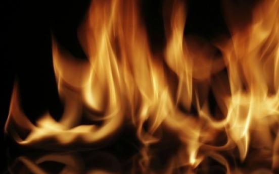 Jongno restaurant catches fire, 32 evacuate