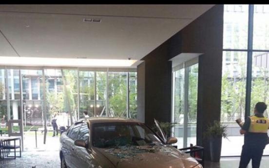 Man blames Nexon for game addiction, crashes car into head office