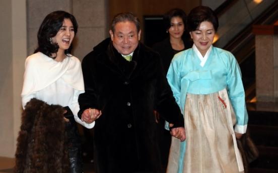 Lee Kun-hee's assets gain 1.2 trillion won since beginning of year
