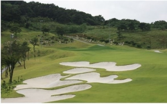 Golf courses likely to flood market