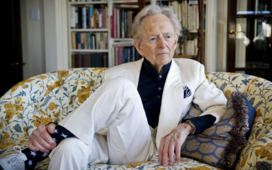 Tom Wolfe talks Darwin, Chomsky and human speech
