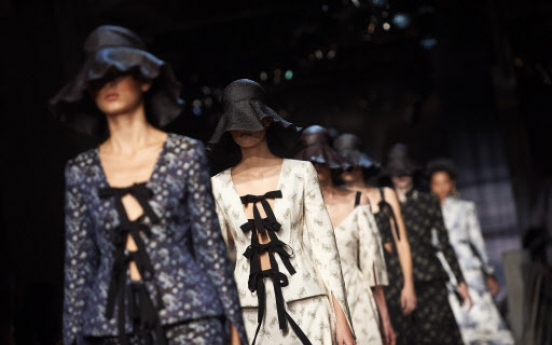 London Fashion Week hits climax with Burberry, Erdem