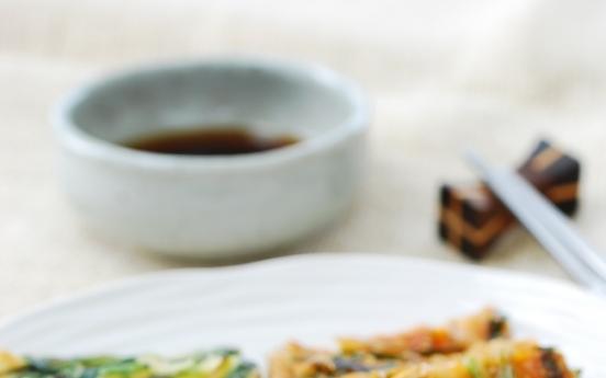 [Home Cooking] Buchujeon (savory pancake)