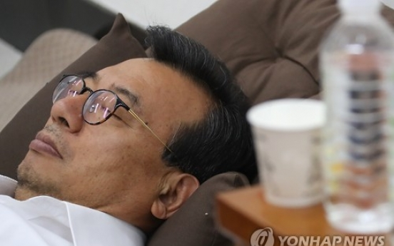 Ruling party chief ends hunger strike, party lawmakers set to return to parliamentary audit