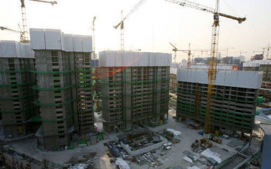 Massive sales credit poses risks to local constructors