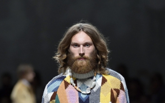 Prada goes in search of the naive, Missoni bursts with color