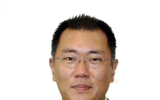 Hyundai's Chung Eui-sun attends World Economic Forum