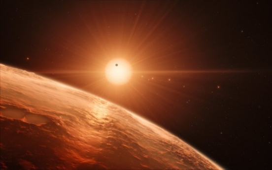 [Newsmaker] 7 Earth-size worlds found; could hold life