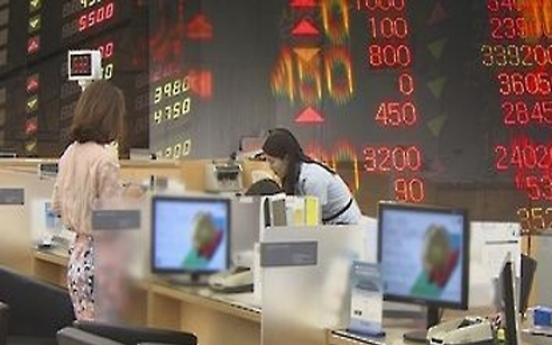 Funds investment increases but skews away from stocks