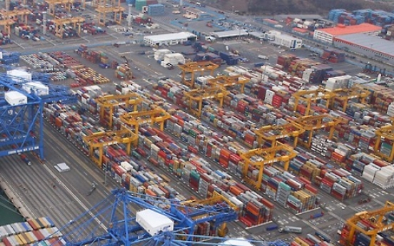 Korea's export prices fall 1.4% last month on strong won