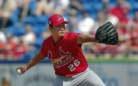 Cardinals' Oh Seung-hwan earns 1st save of season