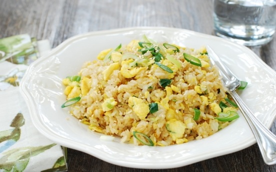 [Home Cooking] Egg fried rice (gyeran bokkeumbap)